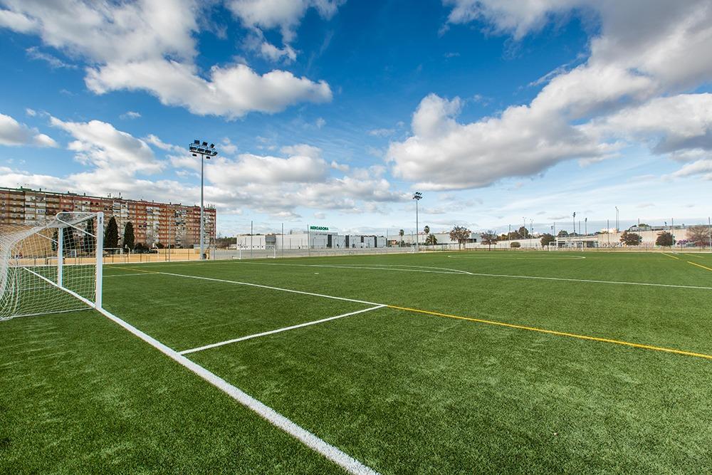 Reforma y acondicionamiento de campo de Fútbol. Colegio Altair