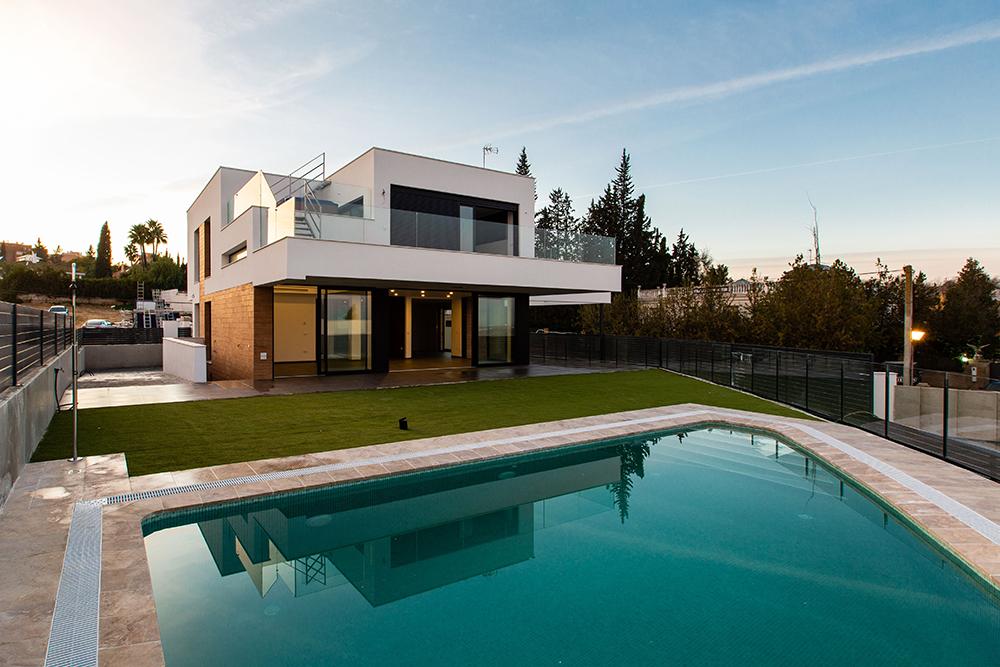 Construcción de 8 viviendas
